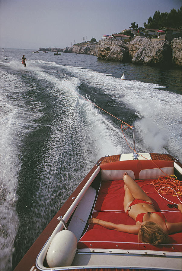 Leisure In Antibes Photograph by Slim Aarons