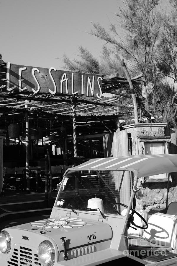 Les Salins by Tom Vandenhende