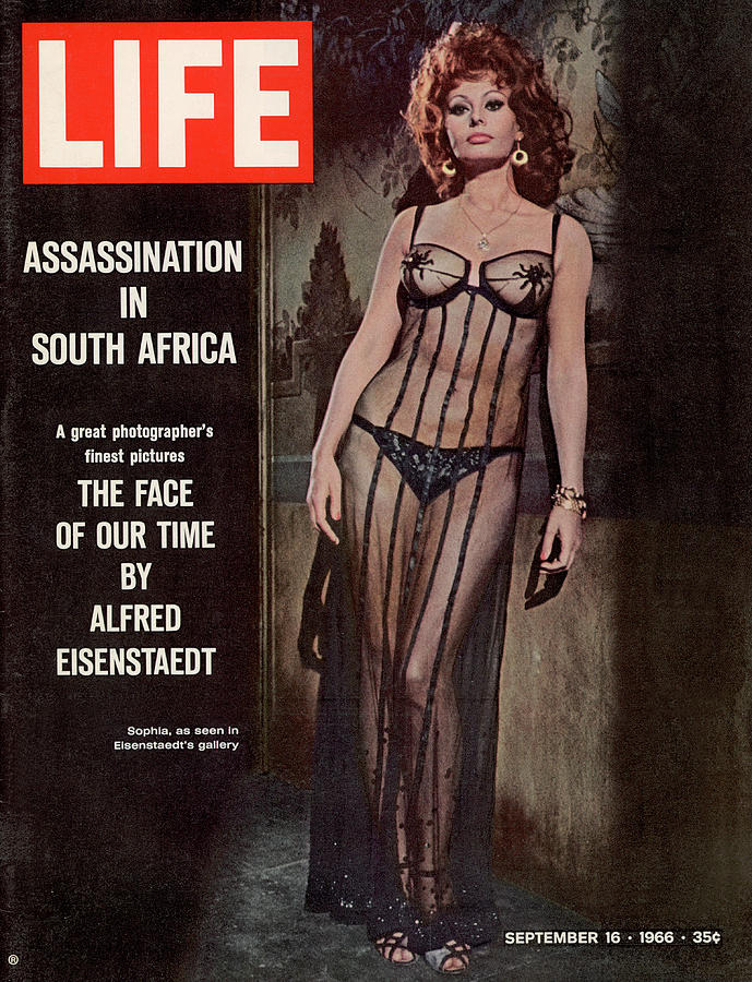 Life Magazine Cover September 16, 1966 Photograph by Alfred Eisenstaedt