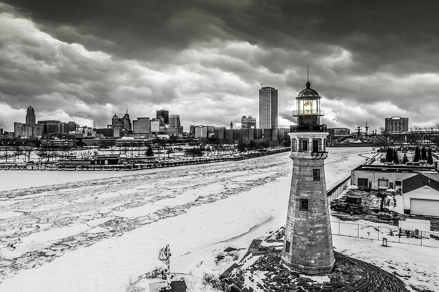 Lighthouse l'inverno by John Lattanzio
