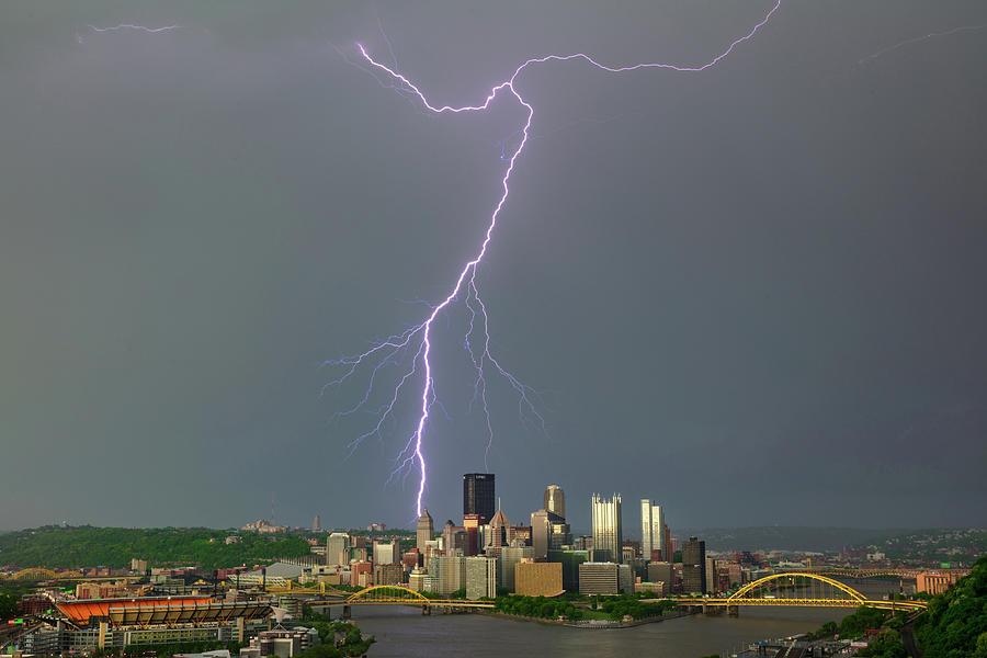 lightning storm in Pittsburgh by Emmanuel Panagiotakis