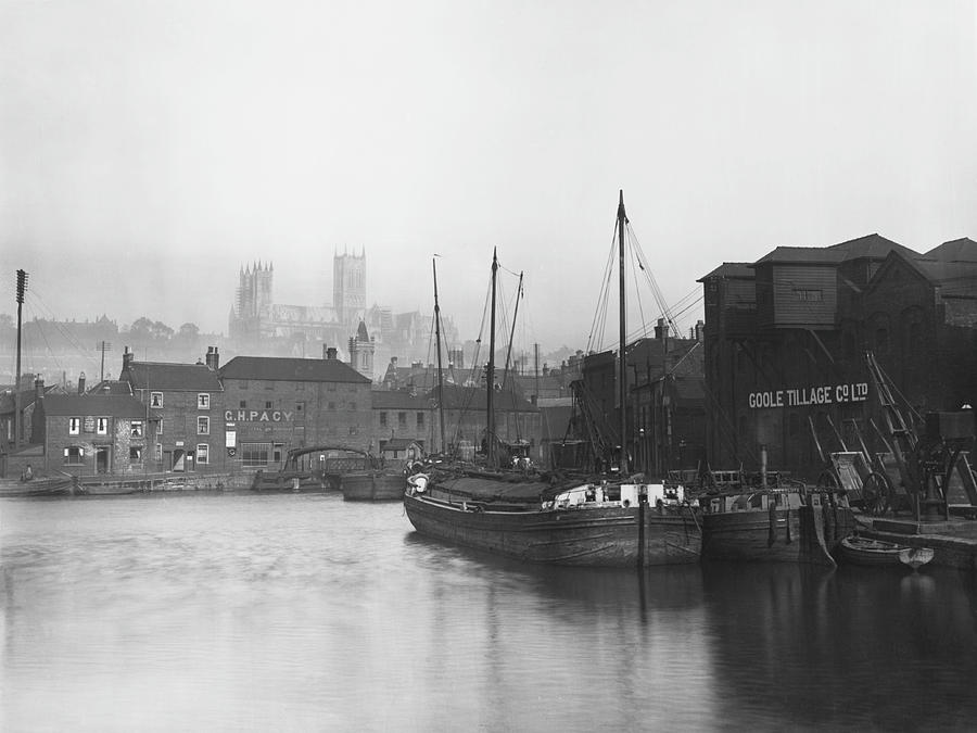 Lincoln Docks Photograph by Hulton Archive