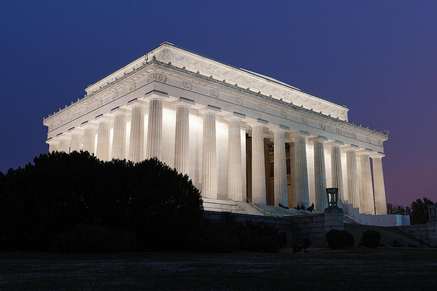 Lincoln Memorial by Dennis Kowalewski