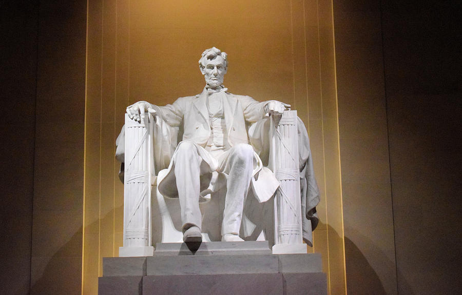 Lincoln Monument by Dennis Love