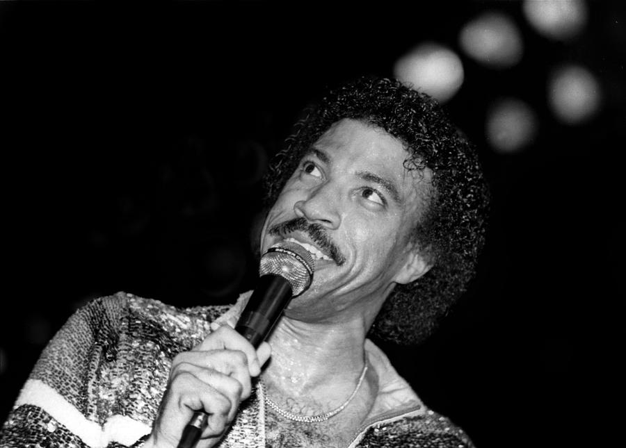 Lionel Richie Live In Concert Photograph by Raymond Boyd