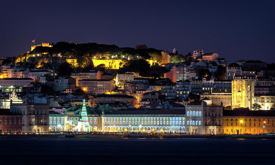 Lisbon in Christmas time by Pablo Lopez