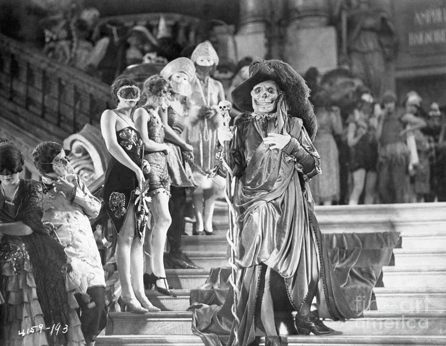 Lon Cheney In Phantom Of The Opera Photograph by Bettmann