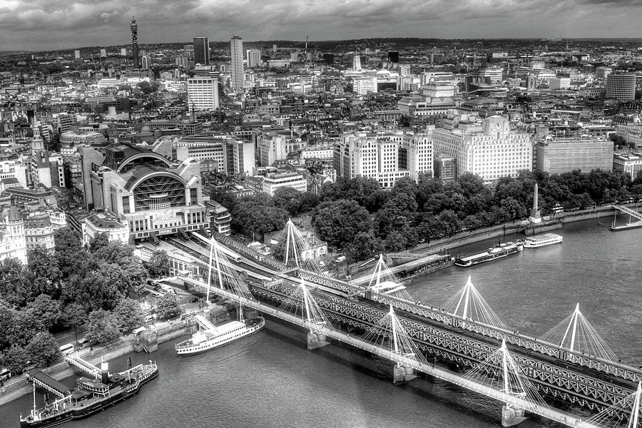 London-Black and White by Anna Yanev