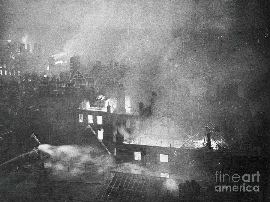 London Burning During Blitz Photograph by Bettmann