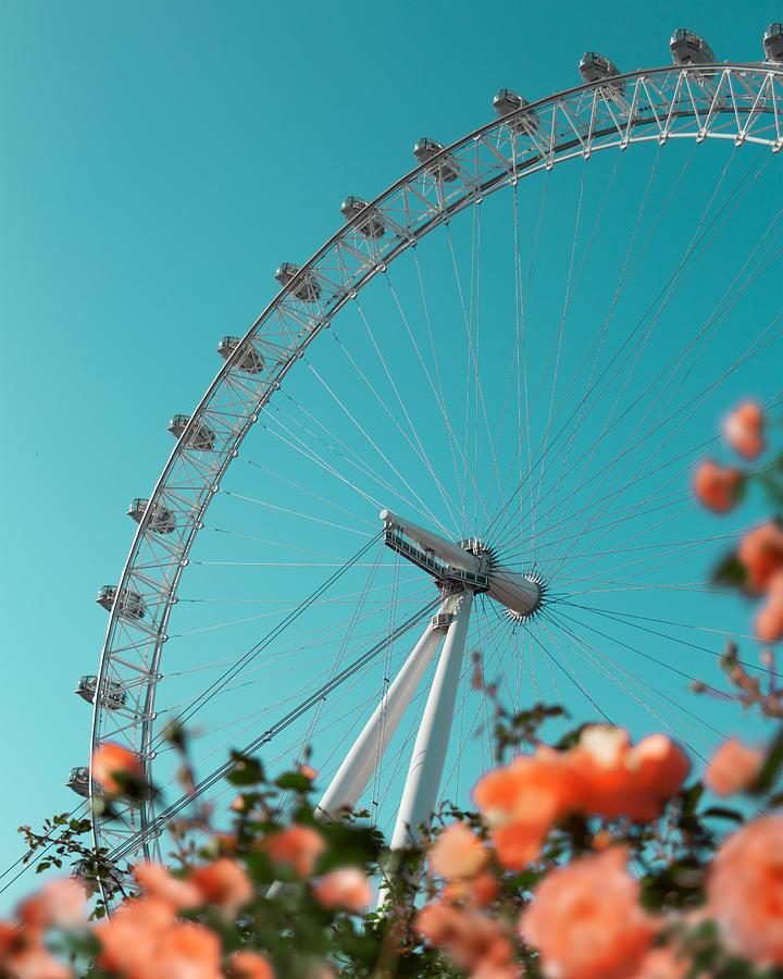 London Eye by Gabor Estefan