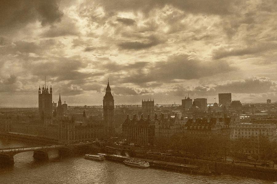 London Mood by Dimitris Sivyllis