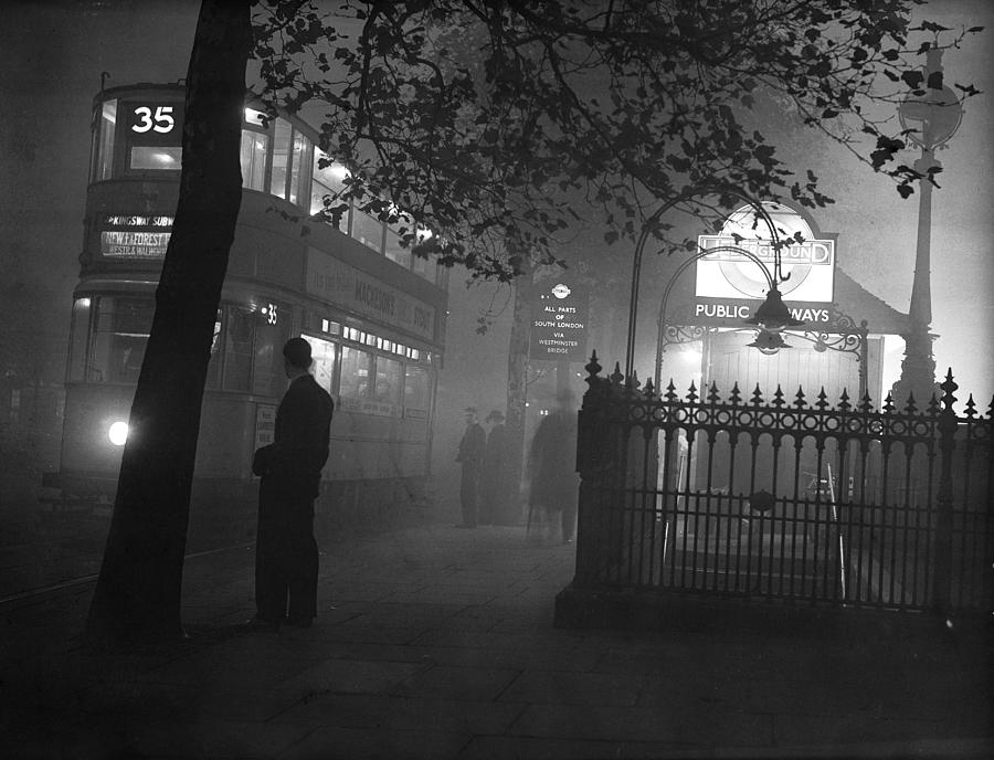 London Scenes Photograph by Fox Photos