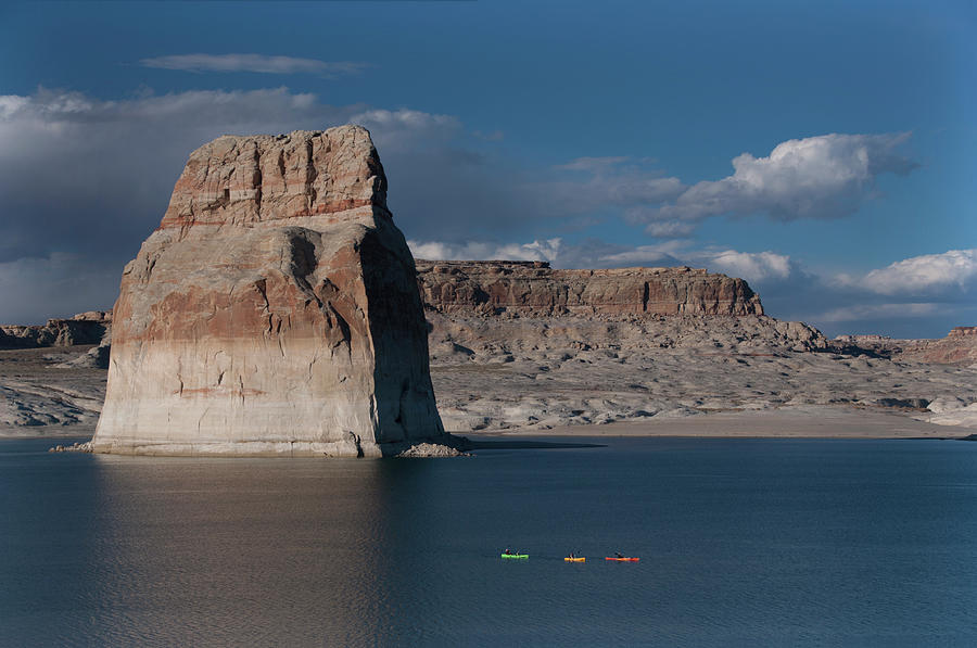 Lake Powell Photograph - Lone Rock Canoeists by Cinnamon Sky Photography