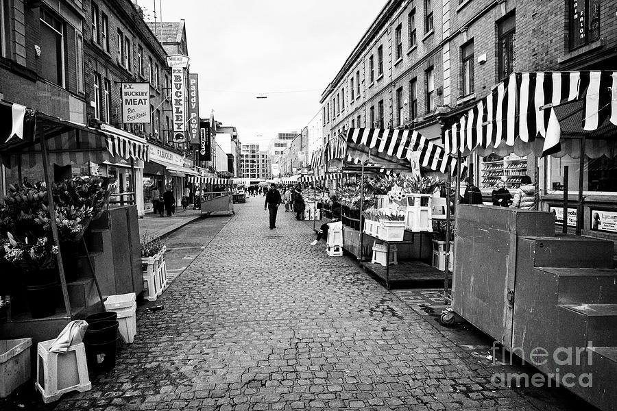 Looking Photograph - Looking Along Moore Street From Henry Street Dublin Republic Of Ireland Europe by Joe Fox