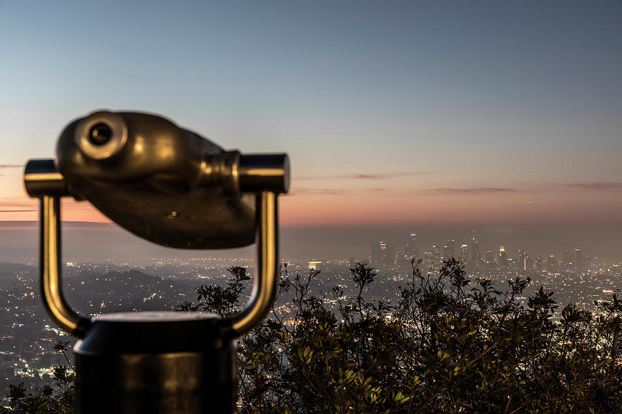 Looking at Los Angeles  by John McGraw