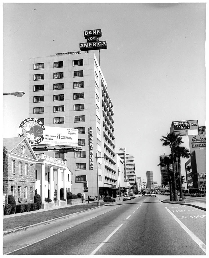 Looking East On Wilshire Boulevard Photograph by American Stock Archive