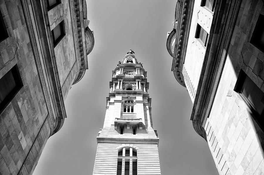 Looking Photograph - Looking Up - City Hall Court Yard In Black And White by Bill Cannon