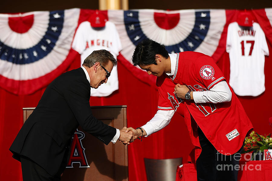 Los Angeles Angels Of Anaheim Introduce Photograph by Joe Scarnici