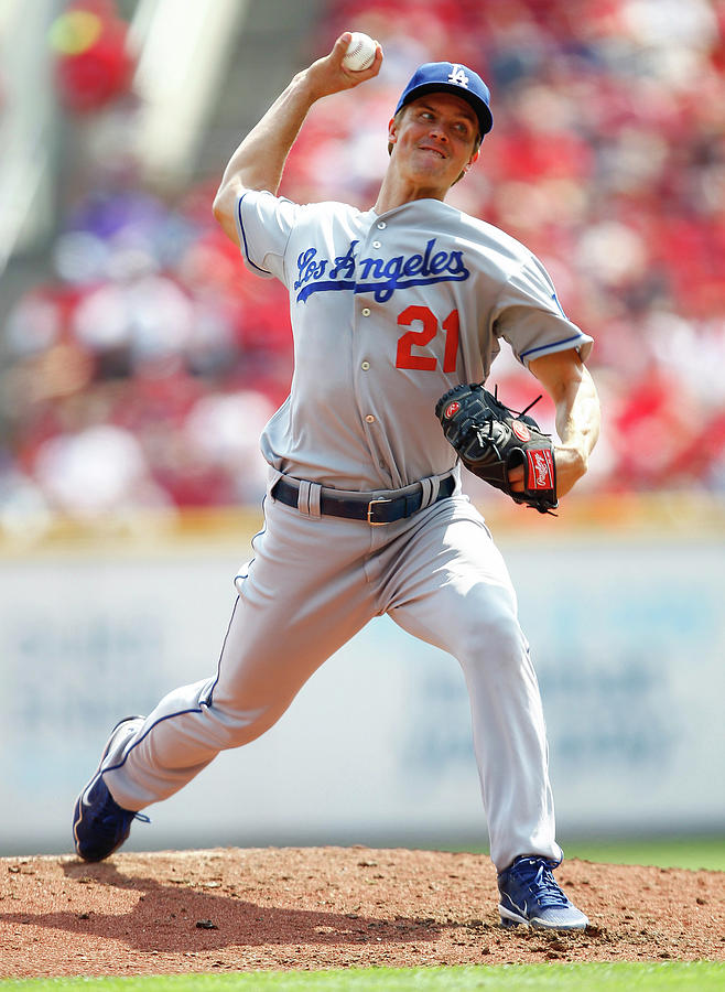 Los Angeles Dodgers V Cincinnati Reds Photograph by Michael Hickey