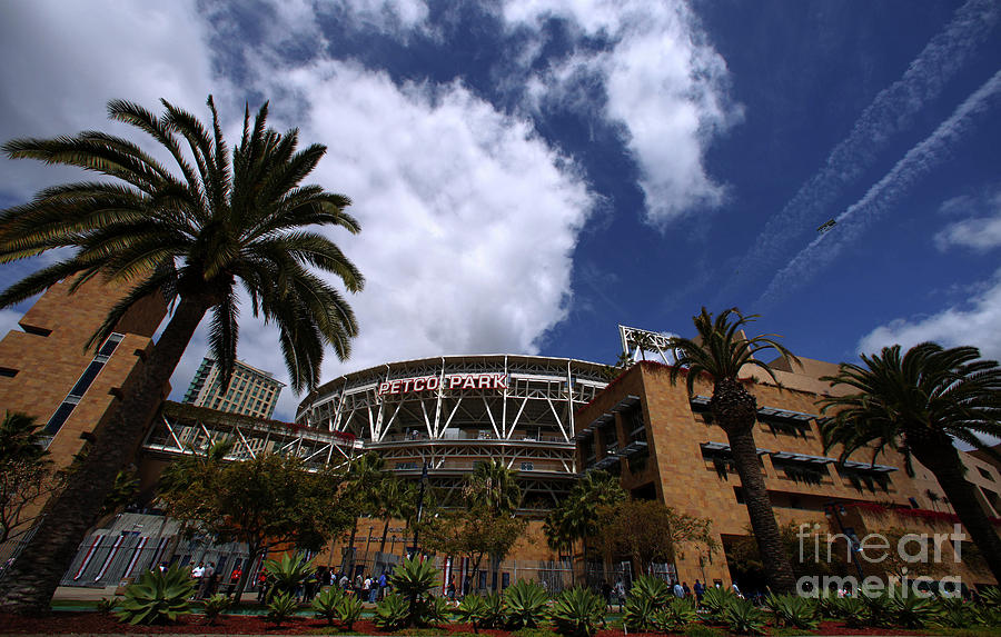 Los Angeles Dodgers V San Diego Padres Photograph by Donald Miralle