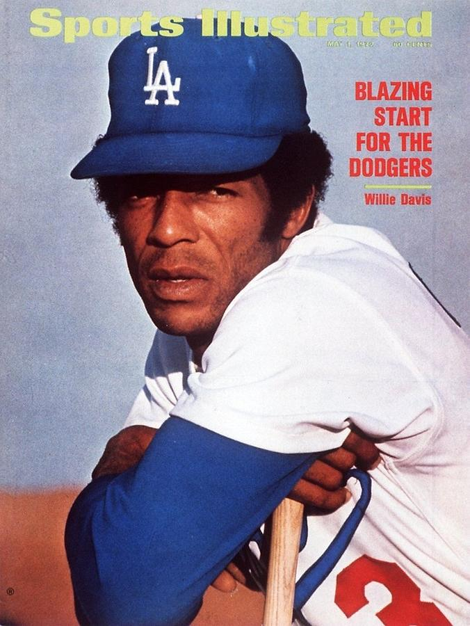 Los Angeles Dodgers Willie Davis Sports Illustrated Cover Photograph by Sports Illustrated