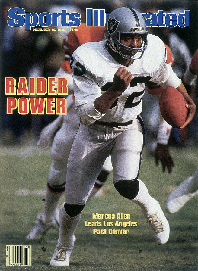 Los Angeles Raiders Marcus Allen... Sports Illustrated Cover Photograph by Sports Illustrated