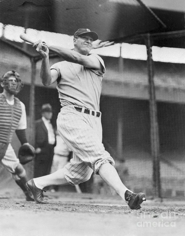 Lou Gehrig In Batting Action Photograph by Bettmann