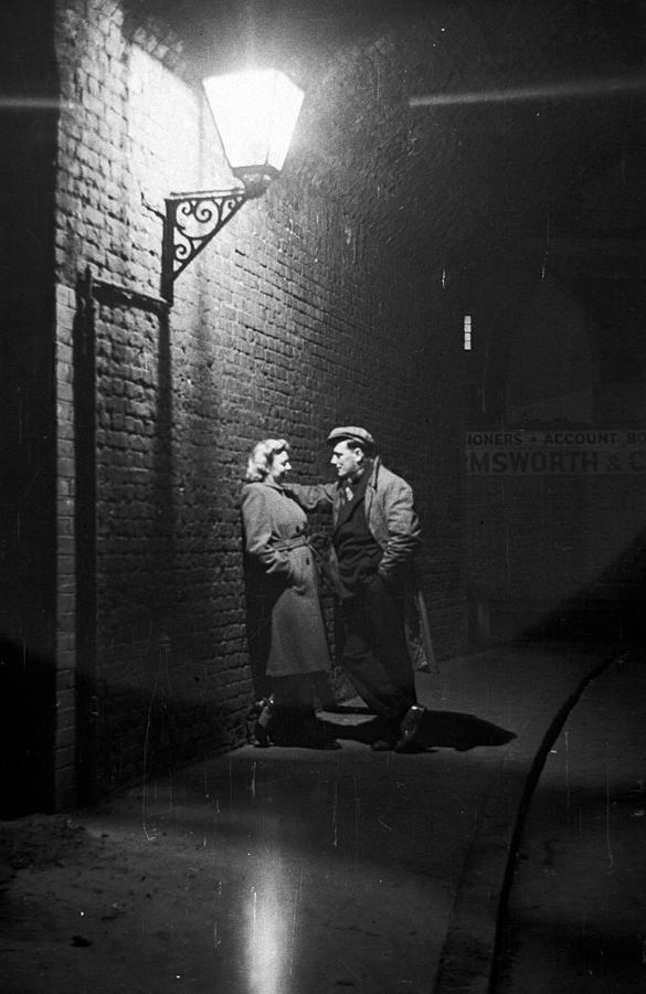 Love In Southwark Photograph by Bert Hardy