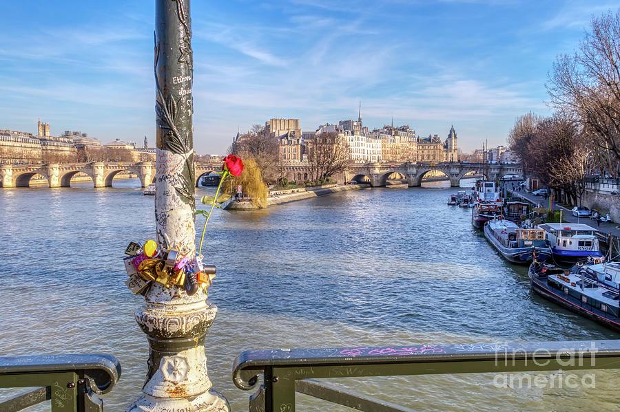 Pont des Arts on Valentine's day - Paris by Ulysse Pixel
