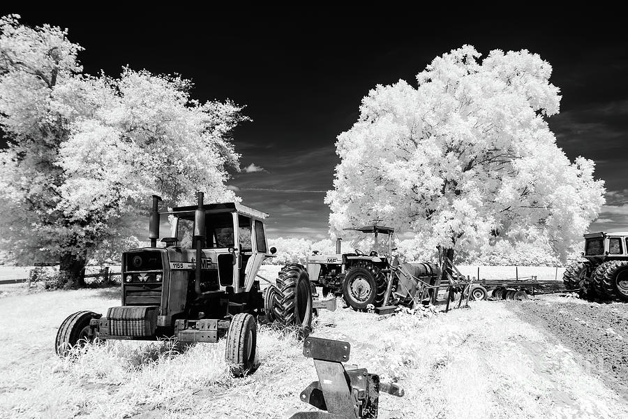 Low Country Tractor by Charles Hite