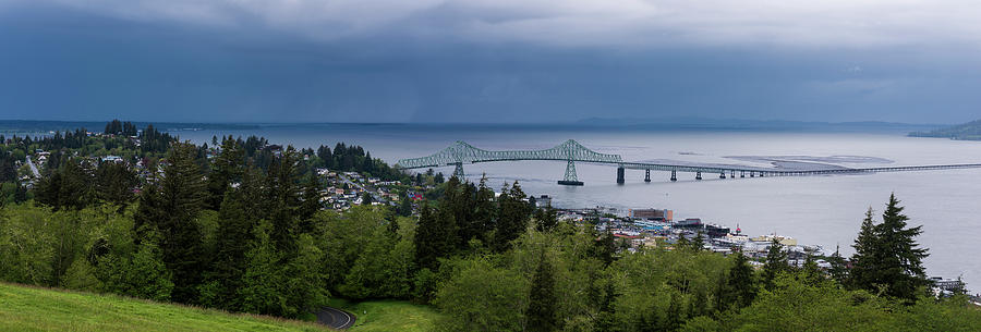 Lower Columbia River by Robert Potts