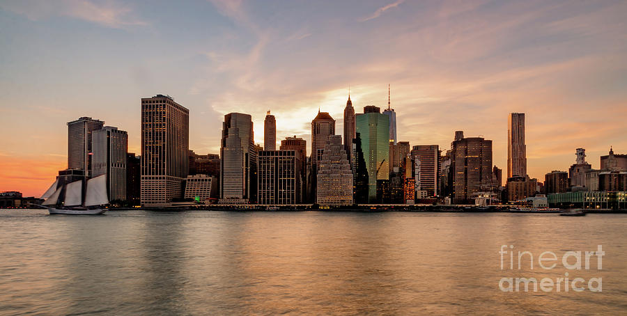 Lower Manhatten by Paul Hennell