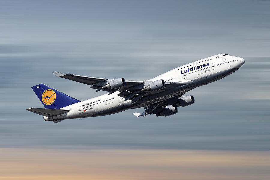 Boeing Mixed Media - Lufthansa Boeing 747-430 by Smart Aviation