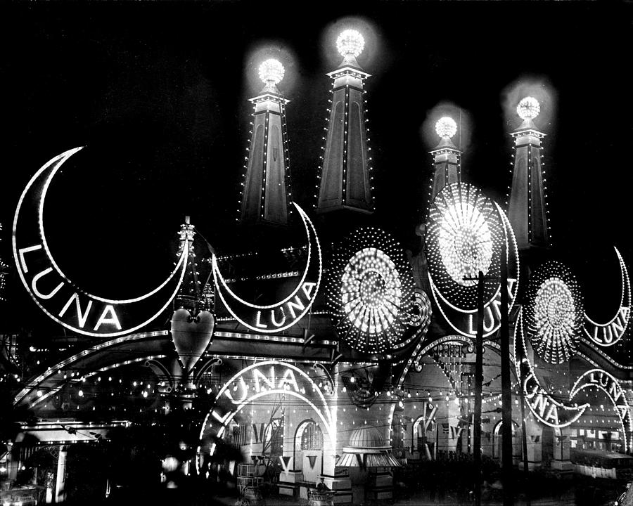 Luna Park At Coney Island Photograph by New York Daily News Archive