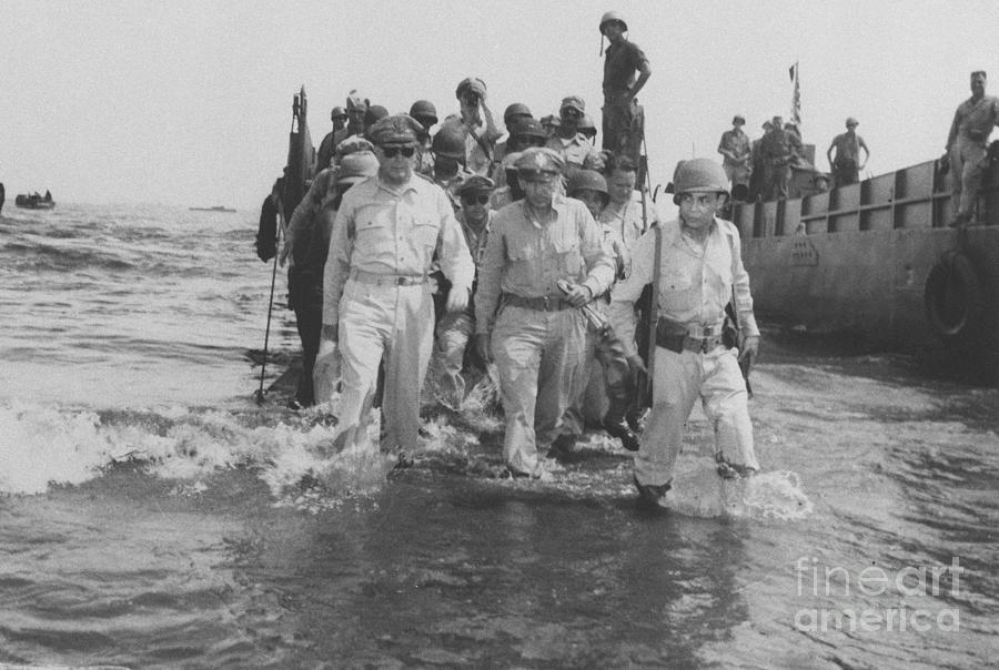 Macarthur Returning To Philippines Photograph by Bettmann