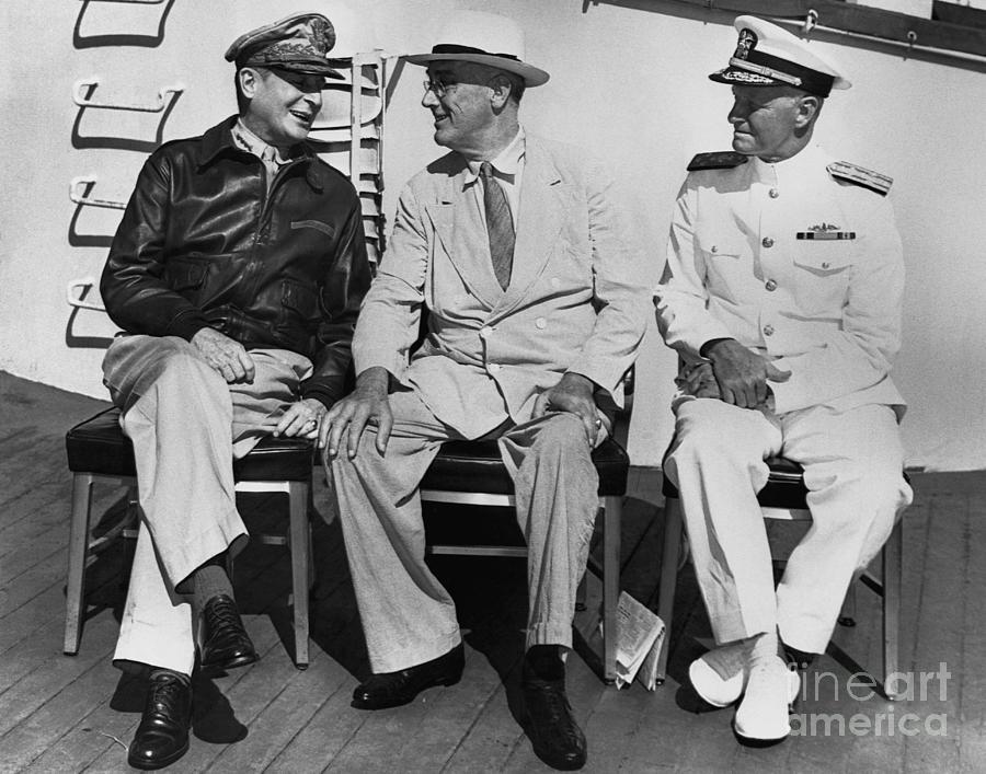 Macarthur, Roosevelt, And Nimitz Photograph by Bettmann