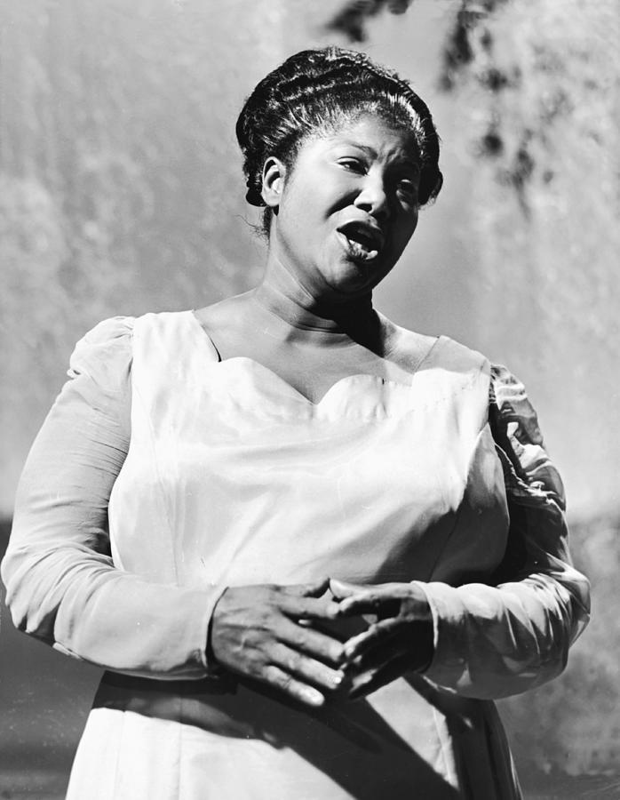 Mahalia Jackson Sings Photograph by Pictorial Parade