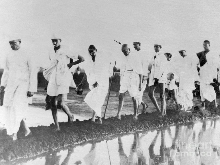 Mahatma Gandhi Walking To Shoreline Photograph by Bettmann
