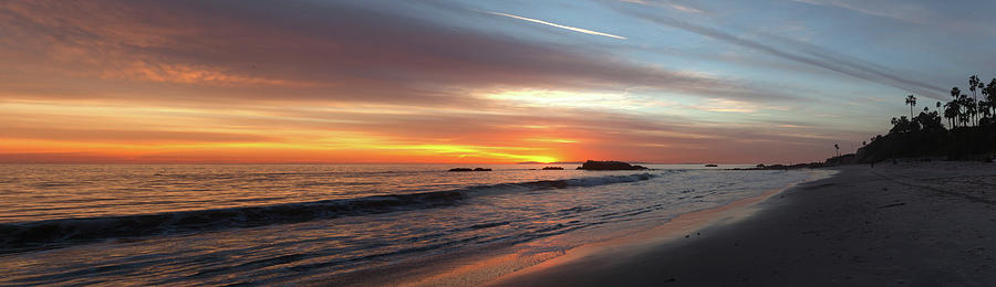 Main Beach Panoramic Sunset by Cliff Wassmann