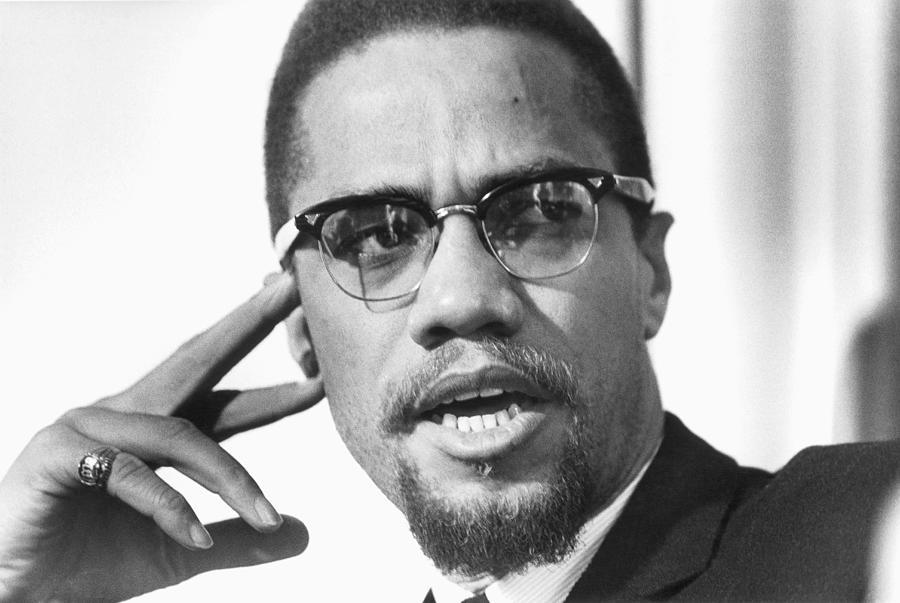 5687ce80516 Malcolm X Portrait Photograph by Michael Ochs Archives