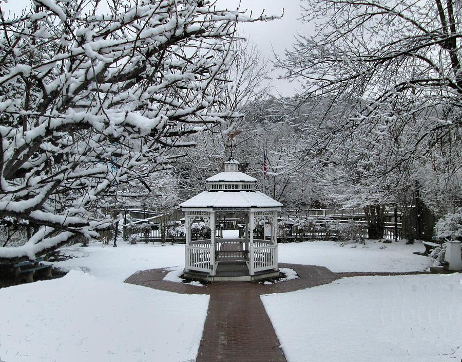 Mamie Davis Park, Occoquan by Lin Grosvenor