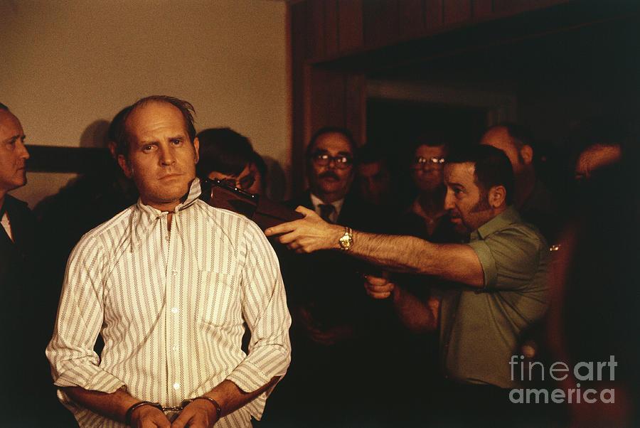 Man Holding Gun To Hostage Photograph by Bettmann