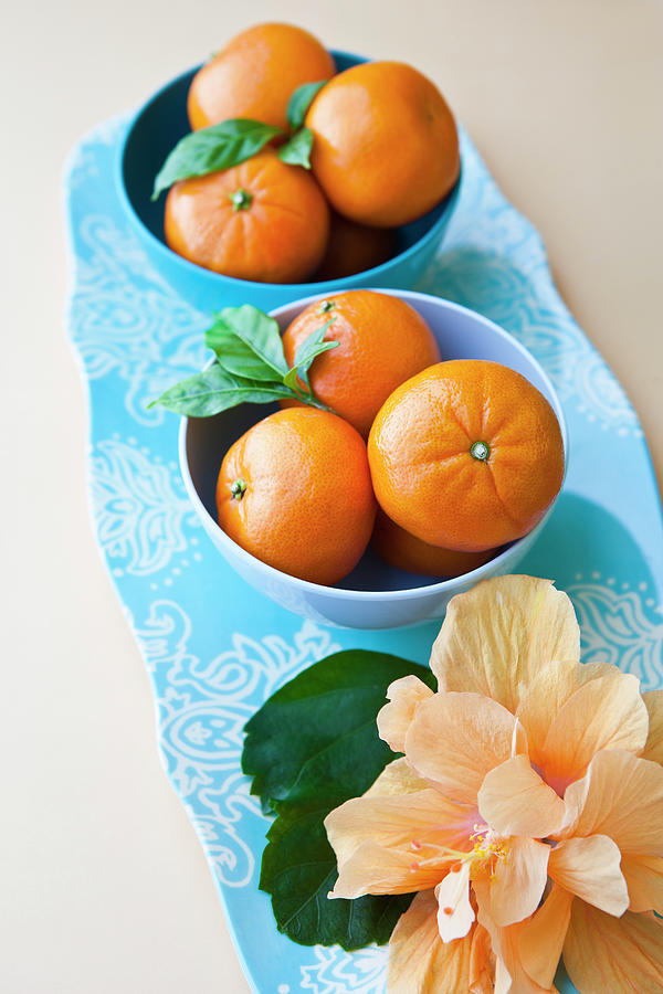 Mandarin Oranges On A Platter Photograph by Pam Mclean