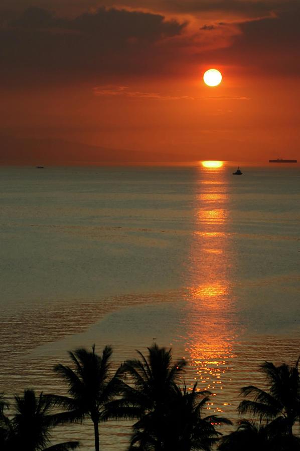 Manila Bay Sunset Photograph by Vanwyckexpress