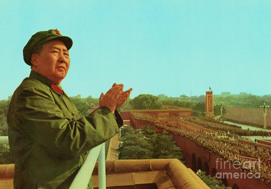 Mao Tse-tung On Balcony Above Crowd Photograph by Bettmann