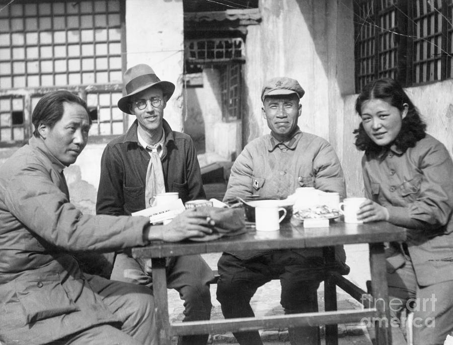 Mao Tse Tung, Wife, Others Seated At Tab Photograph by Bettmann