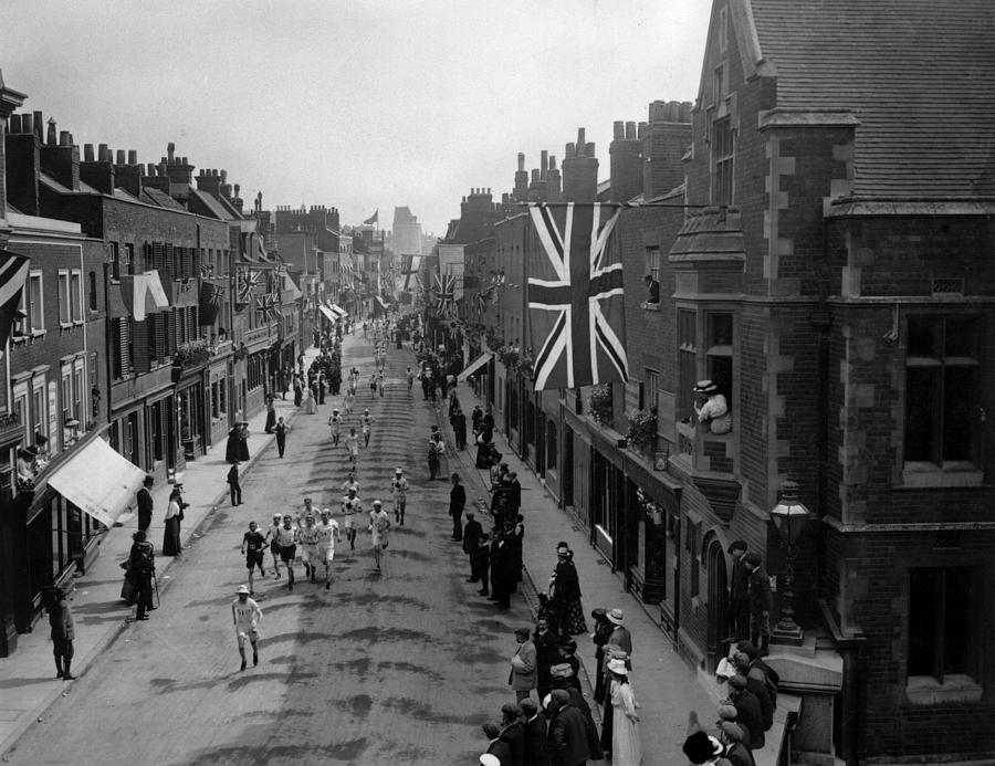 Marathon 1908 Photograph by Hulton Archive