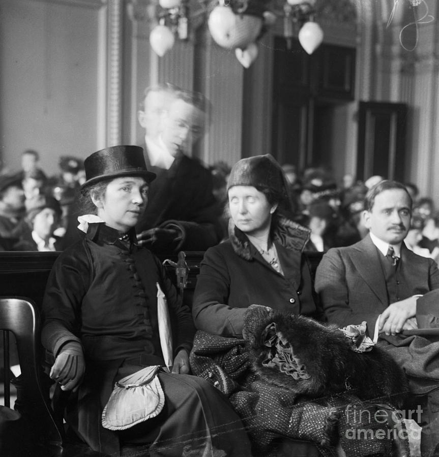 Margaret Sanger And Ethel Byrne In Court Photograph by Bettmann