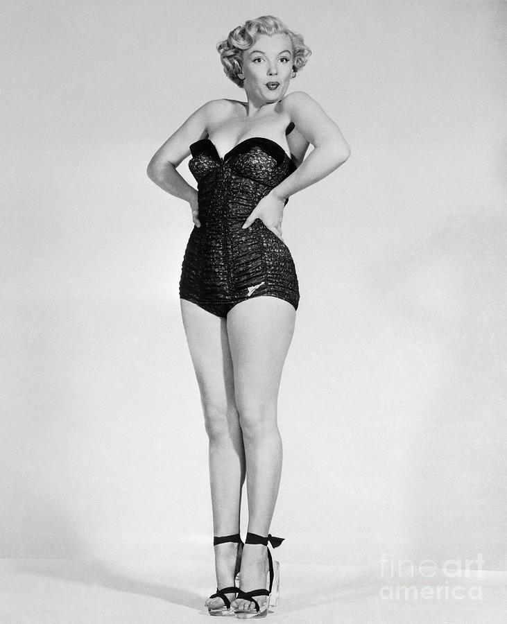 Marilyn Monroe In Strapless Swimsuit Photograph by Bettmann