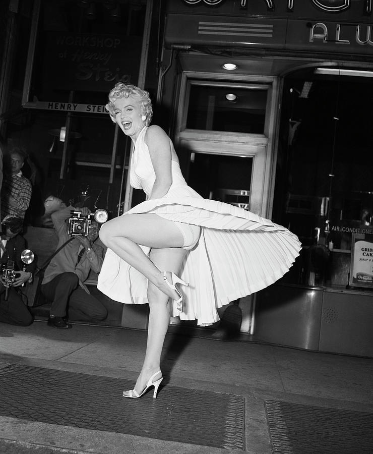 Marilyn Monroe On Subway Grate Photograph by Bettmann